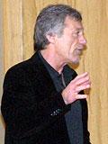 Andreas Müller im Vortrag an der Greenhouse School Graal-Müritz